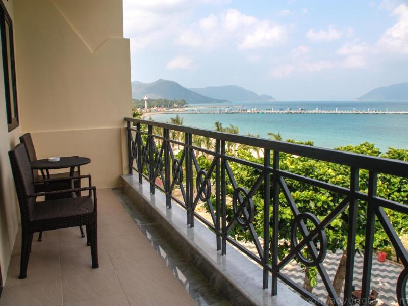 Hành lang của Con Dao Resort