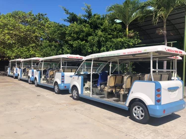 Đi xe điện Côn Đảo